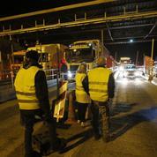 «Gilets jaunes»: un nouveau péage incendié dans le Sud, à Bandol