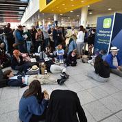 Londres: l'aéroport de Gatwick rouvre malgré le signalement d'un drone