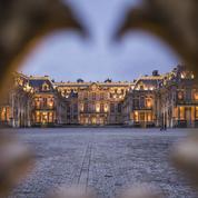 «Gilets jaunes»: Versailles ferme ses portes samedi, la vie parisienne reprend son cours