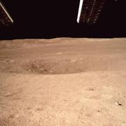 Le rover chinois effectue ses premiers tours de roues sur la face cachée de la Lune