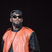 Après Surviving R. Kelly ,la justice appelle les potentielles victimes du chanteur à se manifester