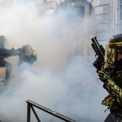 «Gilets jaunes» : des cagnottes créées pour soutenir les forces de l'ordre