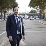 Mounir Mahjoubi, stagiaire d'un jour chez une «gilet jaune» dans le Var
