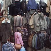 Vêtements : l'engouement croissant des Français pour l'occasion