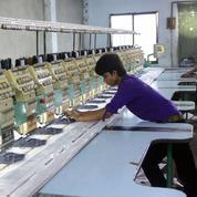 Bangladesh: fragile accord salarial sur le secteur clé du textile