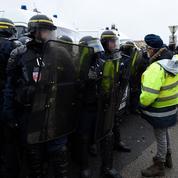 Acte X des «gilets jaunes»:dans l'incertitude, les forces de l'ordre restent mobilisées