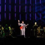 La deuxième vie des chanteurs grâce aux hologrammes