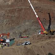 Espagne : quelques centimètres séparent les secours du petit Julen, tombé dans un puits