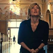Dans Les Estivants ,Valeria Bruni-Tedeschi brouille les pistes et perd en partie la critique