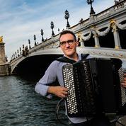 L'accordéon fait un retour en fanfare avec Félicien Brut