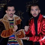 Bigflo & Oli trinquent avec leurs trophées des Victoires de la musique... et les cassent
