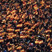 La droite espagnole dans la rue contre Pedro Sanchez