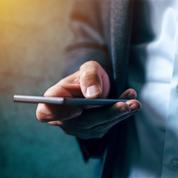 Pour gonfler leurs marges, les opérateurs télécoms augmentent les prix des forfaits