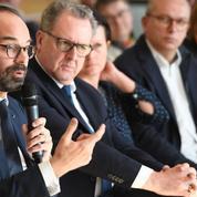 Edouard Philippe émet l'idée de demander des «contreparties» aux aides sociales