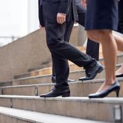 Au travail, les mères restent plus pénalisées que les pères