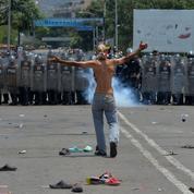 Venezuela: sur le pont Bolivar, l'opération humanitaire a viré à la bataille rangée