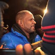 Accusé d'abus sexuels, R.Kelly libéré sous caution après avoir plaidé non coupable