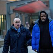 Des proches de R.Kelly accusés d'être impliqués dans ses affaires d'abus sexuels