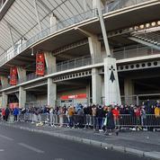 Rennes-Arsenal: les fans passent la nuit devant le stade pour avoir une place