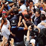 Retour en fanfare de Juan Guaido à Caracas