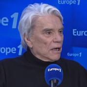 Agacé par les questions sur les affaires à l'OM, Bernard Tapie quitte le studio d'Europe 1