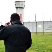 Deux prisons restent «bloquées» au lendemain de l'attaque de deux surveillants