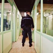 Prisons: le défi de la fouille des détenus et des visiteurs