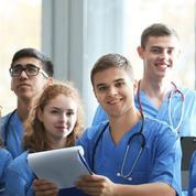 «Oui, les étudiants devraient passer du temps dans les villages qui manquent de médecins»