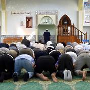 Loi de 1905: derrière les paroles, Macron ne varie pas d'objectif sur l'islam