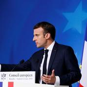 «Gilets jaunes»: Macron défend le recours à Sentinelle