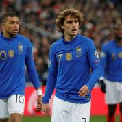Déjà indisponible, le maillot anniversaire des Bleus fait (lui aussi) polémique