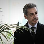 Nicolas Sarkozy durcit le ton vis-à-vis de l'Élysée