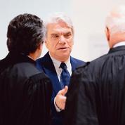 Cinq ans de prison requis contre Bernard Tapie