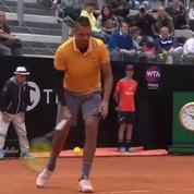 Tennis: Nick Kyrgios entame son match… par un service à la cuillère