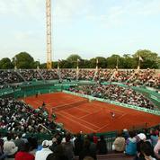 Recyclés après la démolition, les vestiges du Court n°1 de Roland-Garros deviendront sacs à main, chaises et sabliers...