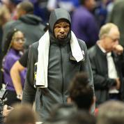 Un fan des Raptors envoie des fleurs à Kevin Durant