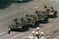 La photo «Tank Man» de Jeff Widener.