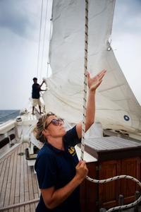Entre décembre et février, vent et mer se conjuguent pour offrir une navigation sereine.