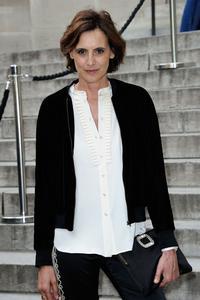 Inès de la Fressange lors de la Fashion Week de Paris, le 4 juillet 2016.