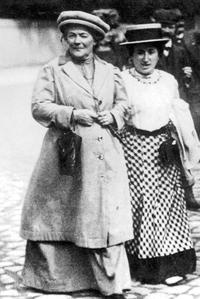 Clara Zetkin et Rosa Luxemburg, militantes communistes et féministes, ici en 1907.