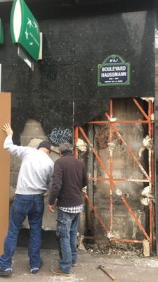 La BNP du Boulevard Haussman se remet des incidents du week-end dernier.
