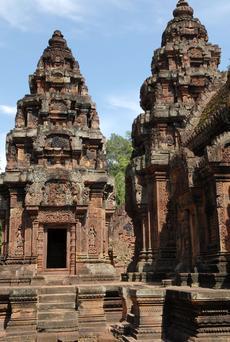 Le temple du Banteay Srei sur le site d'Angkor (à partir du Xe siècle).