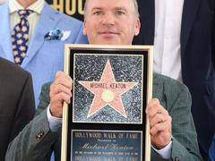 Michael Keaton a son étoile sur le Hollywood Boulevard