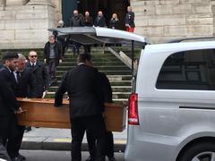 L'adieu d'Isabelle Huppert, Alexandra Stewart et Dominique Besnehard à Stéphane Audran