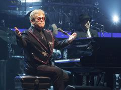 Elton John a inauguré sa grande tournée mondiale d'adieu aux États-Unis