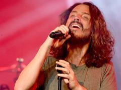 Suicide du chanteur de Soundgarden Chris Cornell: la famille poursuit son médecin
