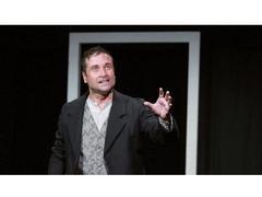 Voyage au bout de la nuit : Bardamu enfin sur scène
