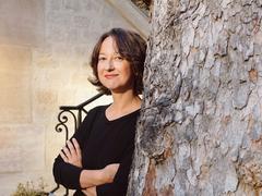 Un étrange pays de Muriel Barbery: la poésie ou la mort