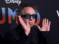 «L'excentrique» Tim Burton promet un film sur Dumbo le «marginal»