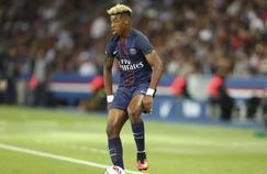 Le défenseur central du Paris Saint-Germain s'est essayé au freestyle jeudi en compagnie de Sean Garnier.
